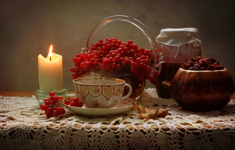 Фото обои лист, ягоды, стол, свеча, плоды, шиповник, чашка, банка, натюрморт, варенье, вазочка, калина