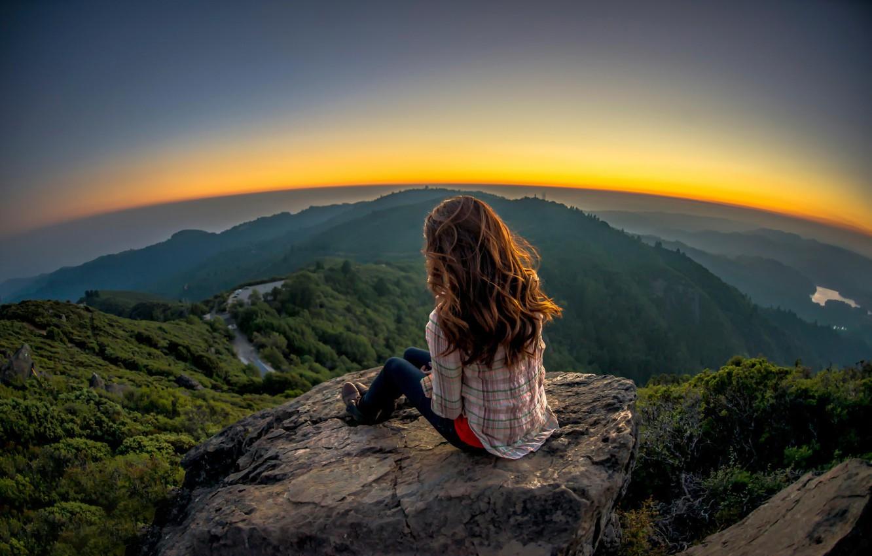 Фото обои девушка, пейзаж, камень, вид, обзор