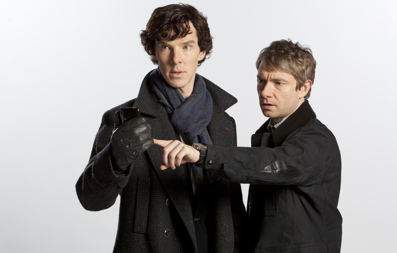 Фото обои белый фон, сериал, актеры, Martin Freeman, Мартин Фриман, шерлок, benedict cumberbatch, бенедикт камбербэтч, холмс, holmes, …