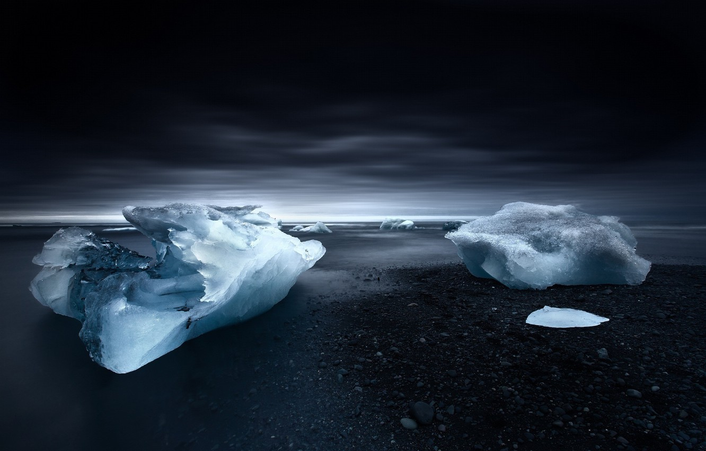 Фото обои лед, море, берег, ice, льдина, сумерки, beach, Исландия, sky, sea, Iceland
