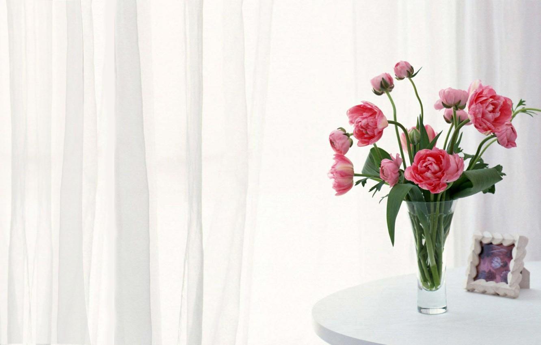 Фото обои рамка, занавески, розовые, пионы, белый стол