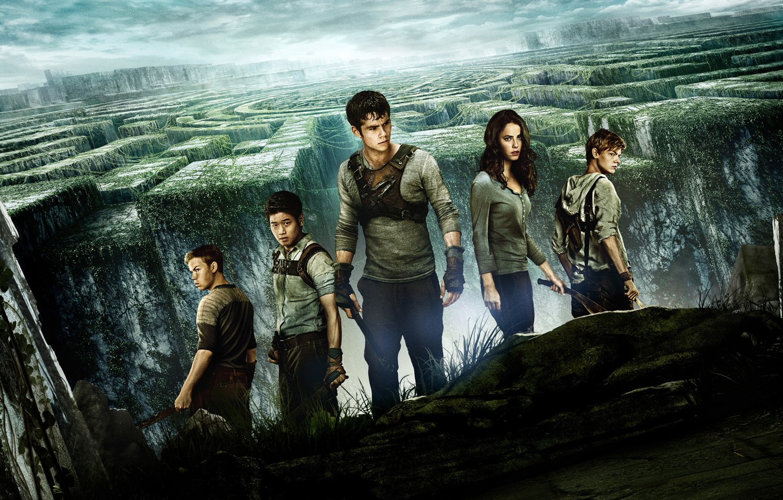 Фото обои cinema, girl, British, sky, woman, man, boy, survivor, machete, face, labyrinth, asian, American, film, knife, …