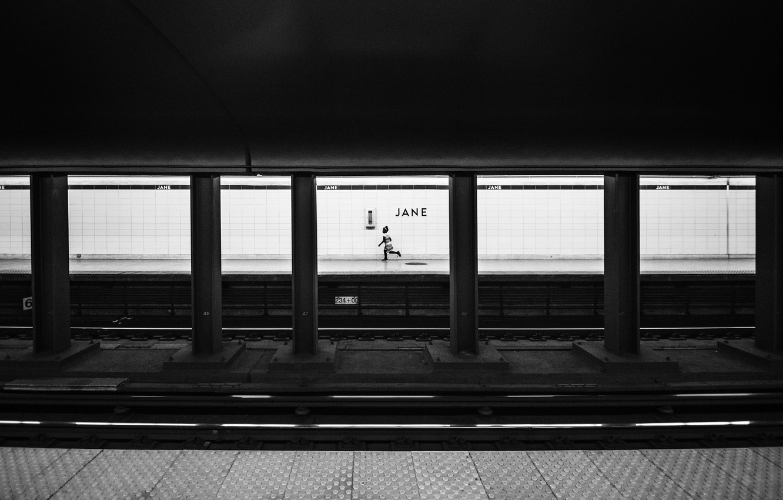 Фото обои underground, child, black and white, metro, rails, b/w, columns, sub train, lanes