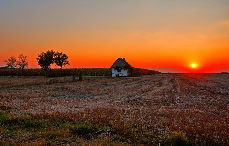 Фото обои house, fireball, twilight, field, sunset, sun, dusk, countryside, farm, farmland