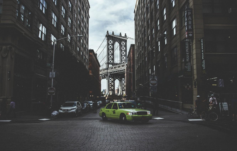 Фото обои мост, люди, улица, Нью-Йорк, Бруклин, такси, автомобили, велосипеды, Соединенные Штаты, фонарные столбы