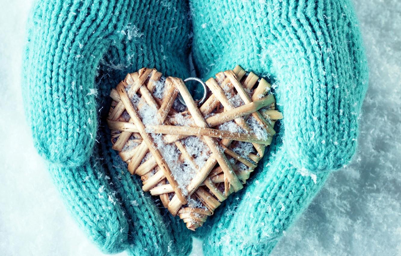 Фото обои зима, снег, любовь, сердце, руки, love, heart, winter, варежки, snow, hands