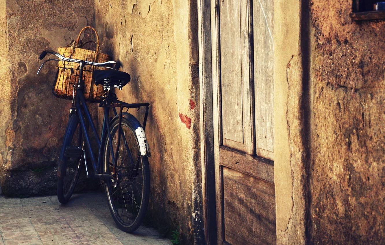 Обои велосипед, Дверь, сапоги. Разное foto 8