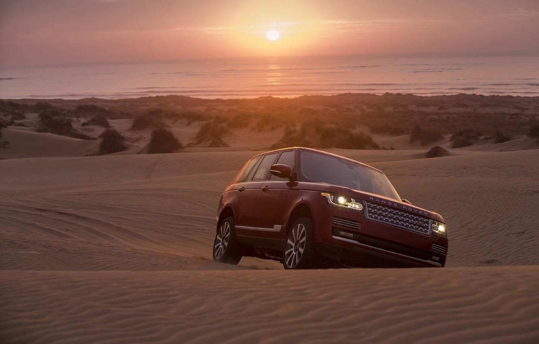 Фото обои песок, закат, фон, горизонт, джип, Land Rover, Range Rover, передок, Ренж Ровер, Лэнд Ровер
