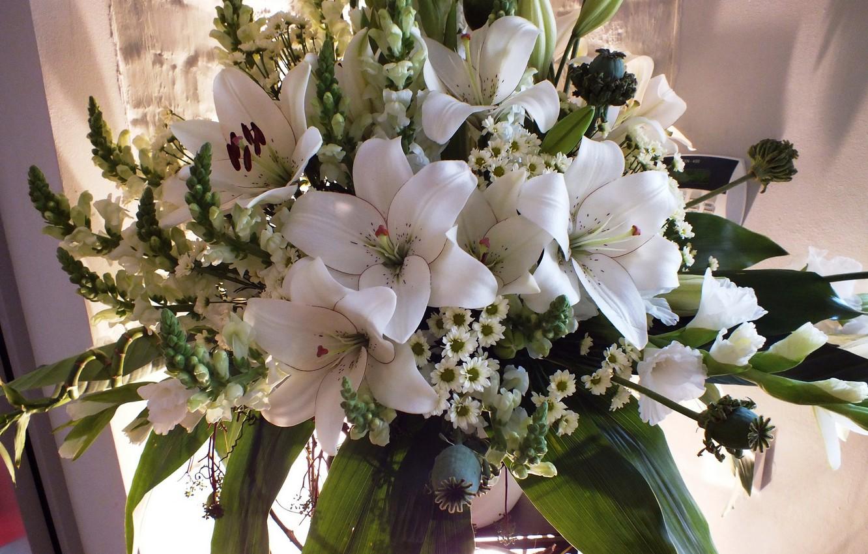 Фото обои фото, Цветы, Белый, Букет, Хризантемы, Лилии, Гладиолусы
