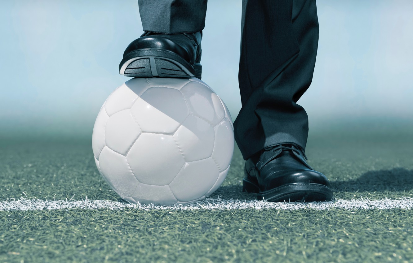 Фото обои soccer, ball, suit