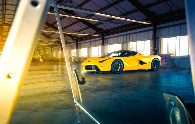 Фото обои Ferrari, Front, Sun, Yellow, Supercar, LaFerrari, Beam, Angar