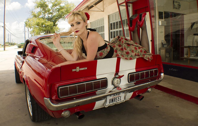 Фото обои взгляд, девушка, Ford, Девушки, платье, красный авто