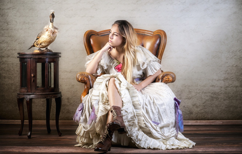 Красивые картинки красивая девушка в кресле