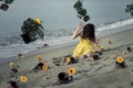 Картинка девушка, цветы, горшки