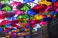 Картинка улица, краски, зонтик, дома, зонт, город