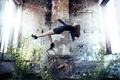 Картинка стул, photography, падение, girl, руины, photographer, девушка, фотограф, David Olkarny, платье