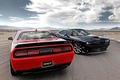 Картинка красный, Мускул кар, вид сзади, Muscle car, дорога, Додж, Challenger, SRT, Dodge, чёрный, Челенжер, передок, ...