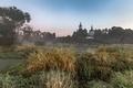 Картинка туман, храм, поле, пейзаж