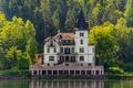 Картинка озеро, castle, Замок, архитектура, architecture, lake