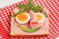 Картинка яйца, салфетка, сэндвич, бутерброд, руккола, ветчина