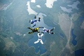 Картинка formation skydiving, 4-way FS, парашютисты, шлем, дорога, экстремальный спорт, озера, парашют, контейнер, парашютизм
