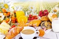 Картинка цветы, flowers, Juice, strawberry, milk, выпечка, молоко, сок, булочки, мед, круассаны, chamomile, виноград, клубника, baking, ...