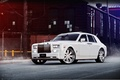 Картинка вид спереди, Phantom, Фантом, здание, белый, ограждение, Роллс Ройс, white, Rolls Royce