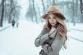 Картинка холодно, пальто, снег, март, Россия, Георгий Чернядьев, девушка, шляпка