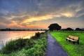 Картинка закат, озеро, парк, газон, дорожка, лавка