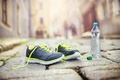 Картинка fitness, mineral water, healthy lifestyle, running shoes