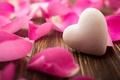 Картинка фон, обои, розовая, сердце, роза, лепестки, wallpaper, сердечко, flower, широкоформатные, background, полноэкранные, HD wallpapers, роз, ...