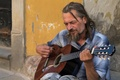 Картинка улица, гитара, человек