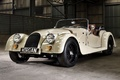Картинка белый, фон, Roadster, ангар, суперкар, передок, 2004, Morgan, Родстер, Морган