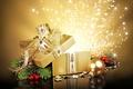 Картинка Новый Год, ель, коробка, веточки, зима, коробочка, праздники, золотая, подарок, шарик, New Year, Christmas, Рождество, ...