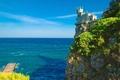 Картинка Oldtime castle, утёс, Украина, лазурь, берег, замок, море, скала, причал, Крым, горизонт, пейзаж, Ласточкино гнездо