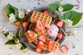Картинка ягоды, клубника, мороженое, вафли, жасмин