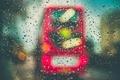 Картинка автобус, стекло, дождь, капли