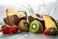Картинка брызги, еда, кокос, всплеск, киви, молоко, клубника, фрукты