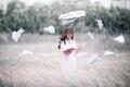 Картинка поле, девушка, ветер