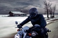 Картинка Мотоцикл, байкер, скорость, дом, небо