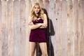 Картинка поза, забор, фигура, платье, прическа, блондинка, постер, комедия, Хлоя Грейс Морец, Chloe Grace Moretz, Соседи, ...