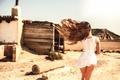 Картинка девушка, ветер, ножки, Laurent KC, Bardenas Desert, волосы