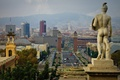Картинка Barcelona, горы, барселона, испания, дома, скульптура, башня, дымка, статуя, небо
