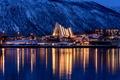 Картинка зима, снег, деревья, горы, ночь, city, город, lights, огни, дома, освещение, Норвегия, trees, night, winter, ...