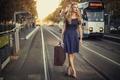 Картинка ретро, улица, Vintage, девушка, чемодан
