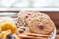 Картинка широкоформатные, широкоэкранные, новогоднее печенье, фон, widescreen, сладкое, печенье, HD wallpapers, обои, еда, полноэкранные, background, wallpaper, ...