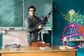 Картинка оружие, школа, доска, Elyas M'Barek, Fack ju Göhte, Зачётный препод, класс, Элиас ЭмБарек, учитель, очки