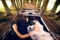 Картинка невеста, свадьба, жених, скорость, машина