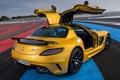 Картинка желтый, Mercedes-Benz, двери, Мерседес, вид сзади, AMG, SLS, Black Series, АМГ