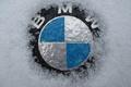Картинка BMW, снег, значок